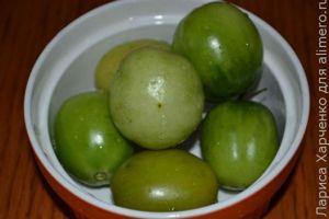 Острая закуска из зеленых помидоров