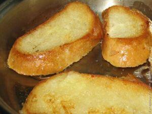 Гренки с вареной колбасой и твердым сыром