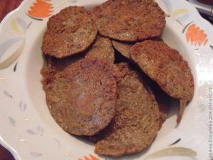 Закуска-пирожное из печени и авокадо