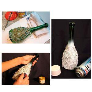 Для начала вам понадобятся иголки от натуральной елки или сосны. Их нужно беспорядочно поломать. Приклеиваем их к бутылке клеем ПВА.