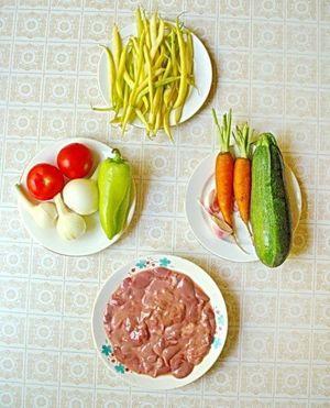 Куриная печень с овощами