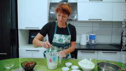 Слойки с вареной сгущенкой - рецепт пошаговый с фото
