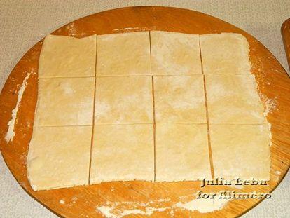 Слойки с курицей - рецепт пошаговый с фото