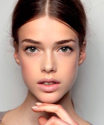 Большие глаза и пухлые губы макияж