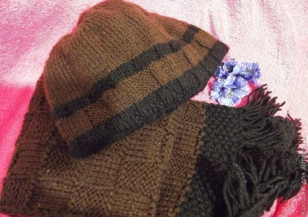 Вязаная утепленная шапка на флисе
