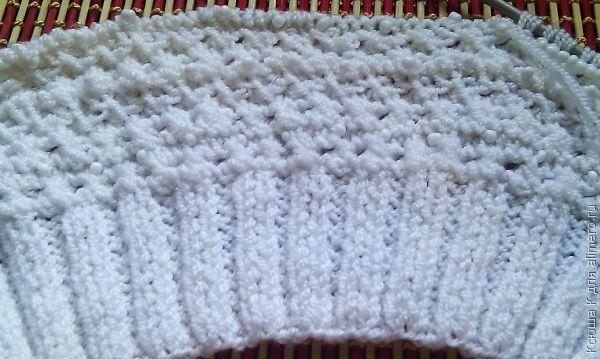 Вплетаем бисер во время вязания: повязка для волос.