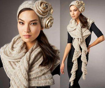 Красивые дизайнерские украшения на шапке только приветствуются, а шарф дополняет образ.