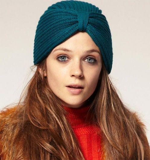 Один из вариантов шапки-султанки, которую дизайнеры в 2012 году возвышают на пики популярности.