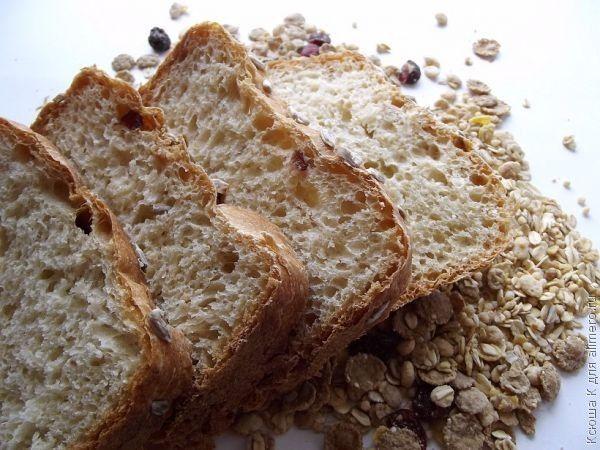 Хлеб в хлебопечке с семечками подсолнуха