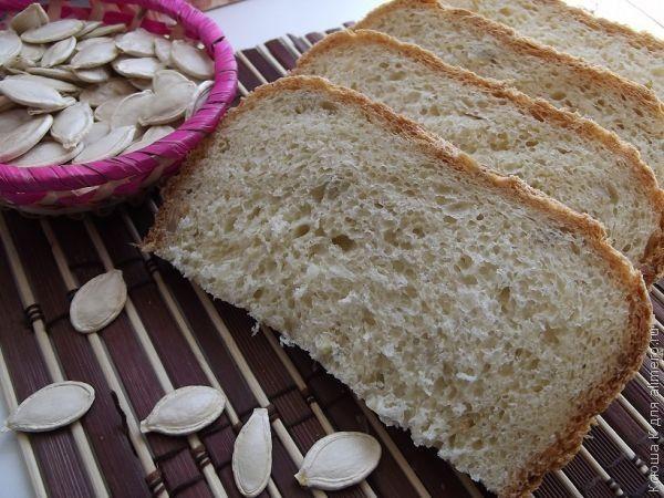 Хлеб на свежих дрожжах в духовке в форме