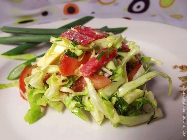 салат с куриной колбасой