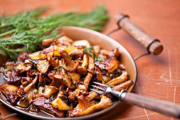 Жареные, квашеные или маринованные грибы дополнят список блюд на Святой вечер.