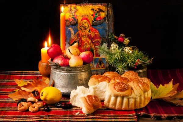 Трапеза на Святой вечер - ужин перед Рождеством. В этот день традиционно ничего не ели, пока не появится первая звезда. В это время рождается Иисус Христос.