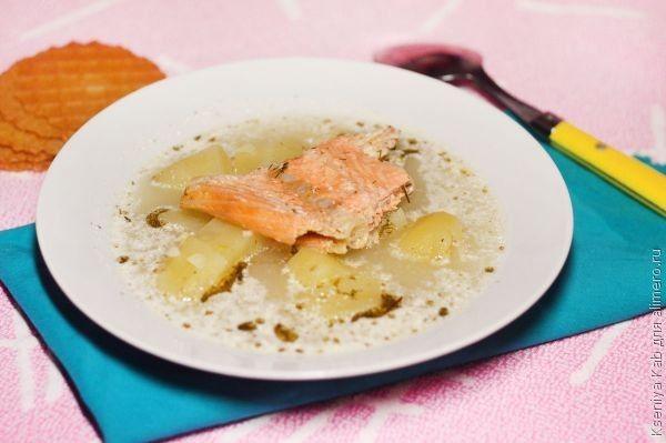 рыбный суп со сметаной и сыром