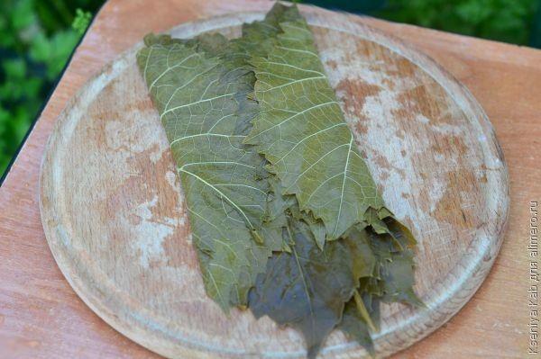 маринованные виноградные листья