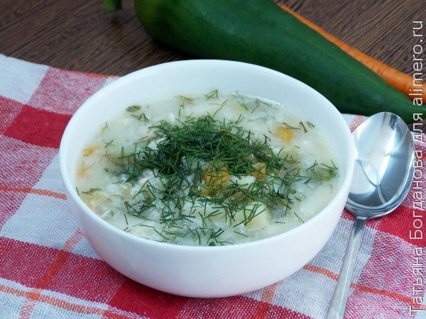 Куриный суп с рисом и яйцом