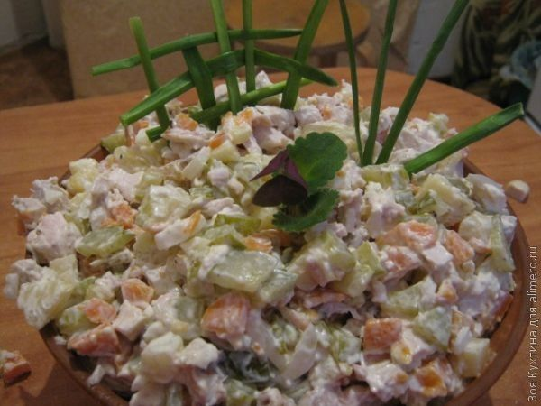 рецепты салатов на стол летом