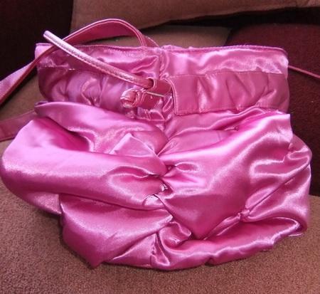 Как сшить сумку из замши.  Идеи декорирования и переделки сумок и.