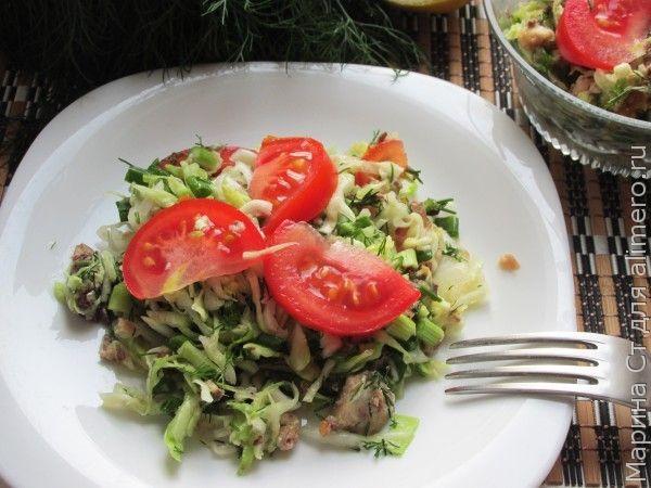 Салат из капусты с сардинами
