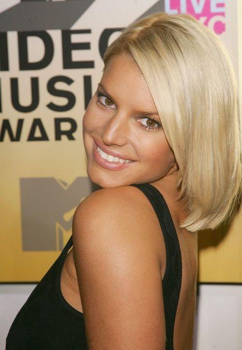 Тонкий но очень привлекательная блондинка