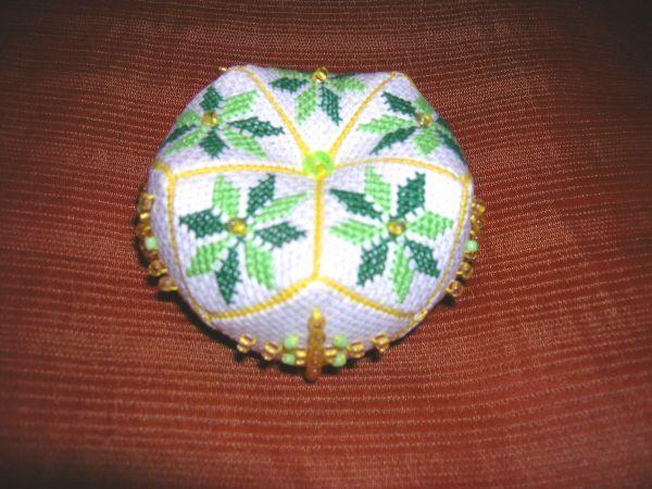 Этот топик предназначен для любителей вышивки и шитья, но может быть интересен и любой рукодельнице.