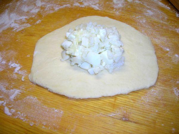 Пирожки из хрущёвского теста с рисом и яйцом.