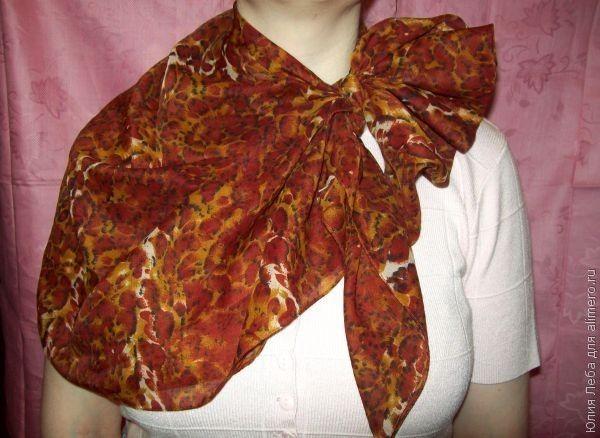 Как красиво завязать на шее платок