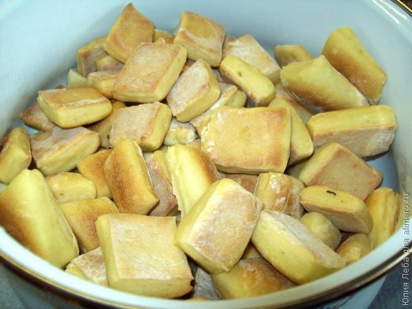 Пампушки на кефире с чесночным саламуром