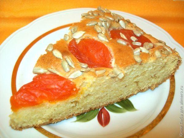 Пирог с курагой и семечками