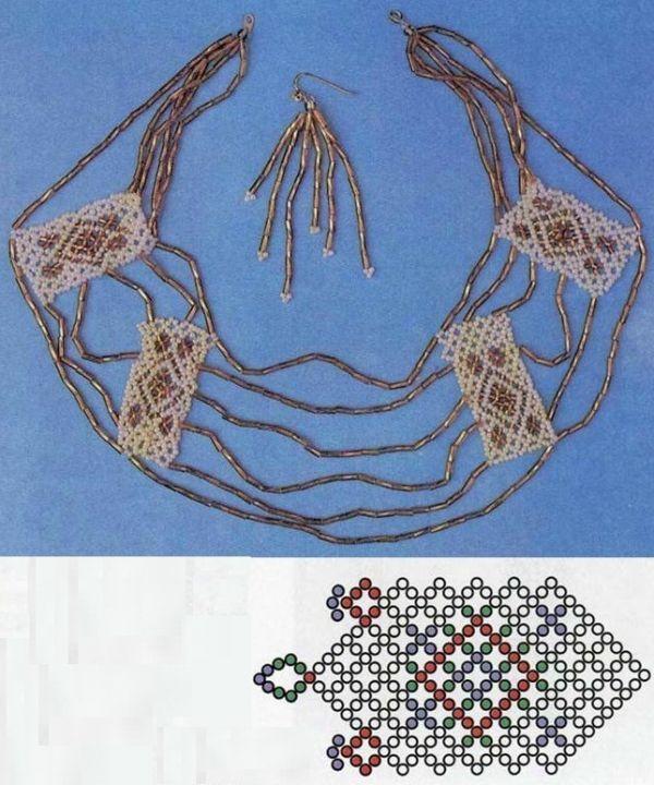 Красивое украшение на шею, сочетающее в себе круглый бисер и стеклярус. Рисунок называется Павлин, схема для его плетения весьма проста.