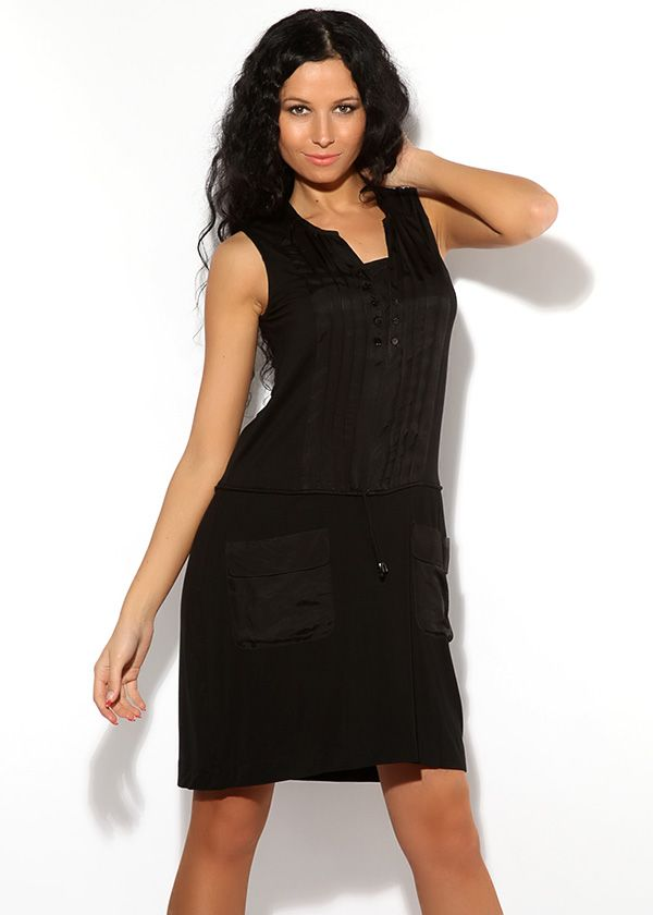 Чёрное стрейчевое платье с интересно оформленным вырезом на пуговицах. Имеет заниженную талию с шнурками, накладные карманы.