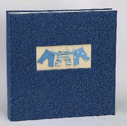 Большой фотоальбом для размещения детских фотографий, надписей и всевозможных аппликаций. Материал: эко-кожа.