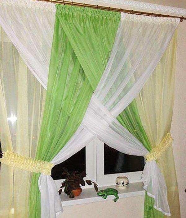 А эти кухонные шторы называются «Одуванчики». Они в меру защищают от солнечного света и вносят в интерьер оптимистичные нотки.