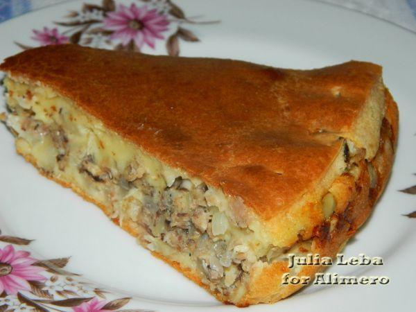 Пирог на сметанном тесте с картофелем и сардинами