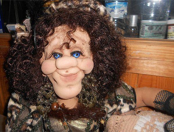 Текстильная кукла из колготок и синтепона. Сделана в образе фрейлины при дворе Людовика XIV. Платье отделано натуральной норкой и декоративной тесьмой.