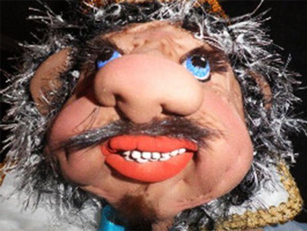 Это фото я не смогла не включить в фотоподборку. Вам никого не напоминает эта кукла? По-моему, вылитый Киркоров!))