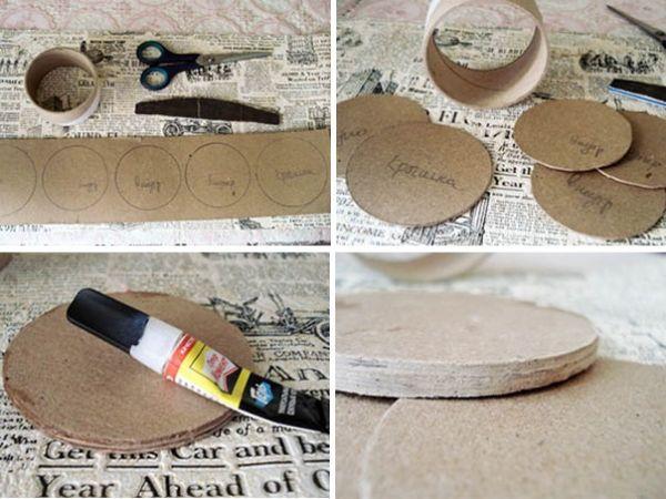 Возьмите бобину от скотча и переплётный картон. На картоне обрисуйте бобину 3 раза с внутренней стороны - эти круги будут использованы для крышки шкатулки. И 2 раза с внешней - это будет дно и крышка шкатулки. Вырежьте все круги. Возьмите все 3 круга меньшего диаметра и склейте между собой клеем. Обточите края с помощью наждачной бумаги или обычной пилочки для ногтей, чтобы они стали гладкими.