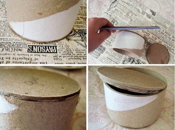 Сделайте дно шкатулки. Намажьте торец бобины с одной стороны, возьмите оставшийся круг большего диаметра и приклейте его к бобине. Дно шкатулки готово. Обработайте его наждачкой.