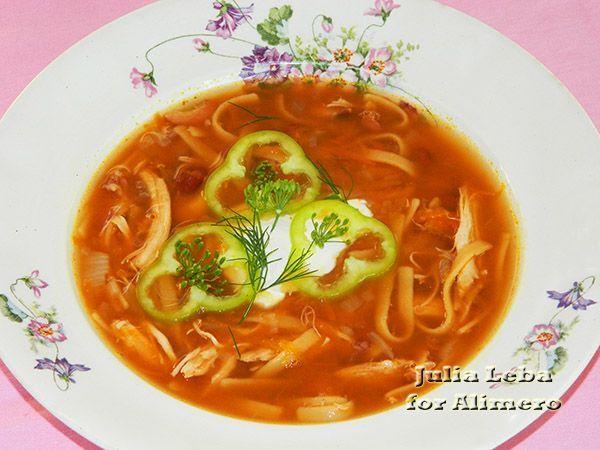 Куриный суп с фасолью и лапшой
