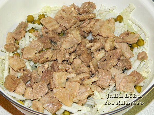 Тёплый салат со свининой