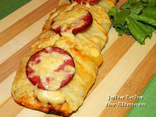 закрытая пицца с картошкой и курицей