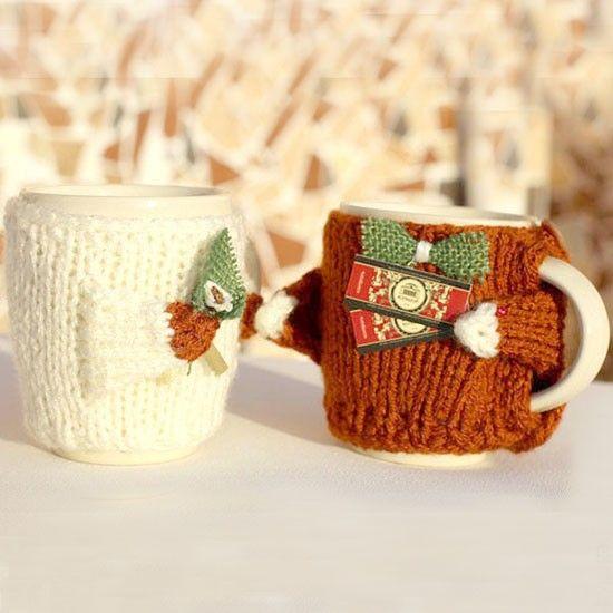Подарки для влюбленных — набор свитеров на чашки