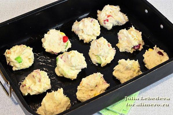 Печенье с цветным драже