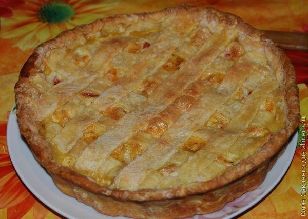 Мясной пирог из творожного теста