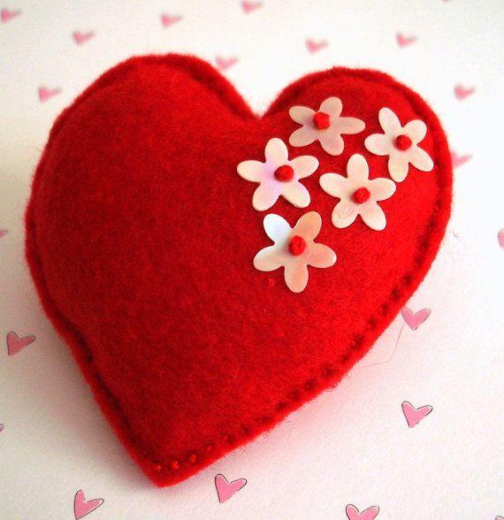 Сделать  сердце ко дню валентина