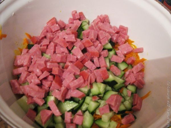 Салаты с колбасой. рецепты приготовления с
