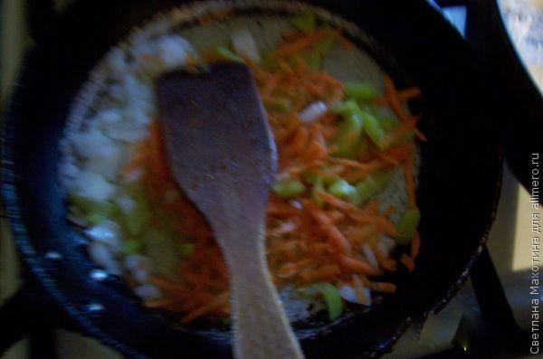 Прозрачным а перец и морковь мягкими