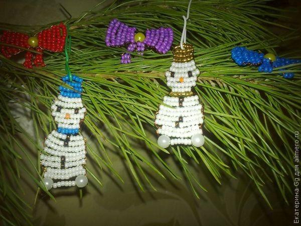браслеты из бисера и бусин. фенечки из... оригинальные серьги из бисера. фиалка из бисера схема плетения. жгут из...