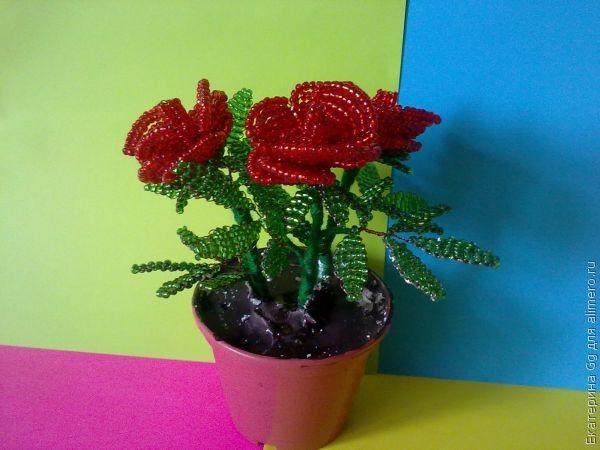 Для изготовления мини-розы нам понадобится.  Лепестки.  Приступим! бисер красного цвета; -бисер зеленого цвета...