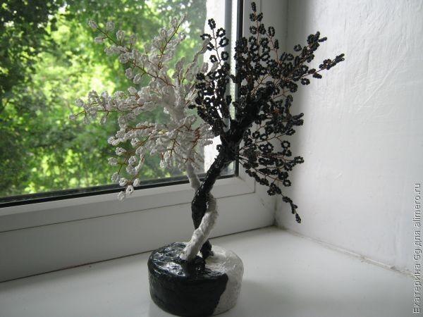 Дерево Инь-Ян из бисера.